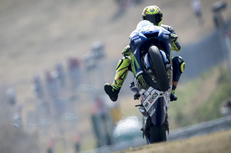 MotoGP Brno 2015: Apes, Valentino Rossi Ikut-ikutan Crash Gegara Olinya Pedrosa..!!