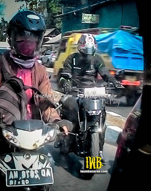 HOT: Spyshot Yamaha MT15 dites Jalan di Indonesia.. Yes, Indonesia Gan…!!!