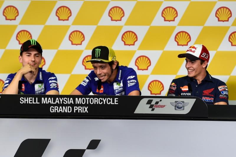 MotoGP Malaysia: Rossi Tuduh Marquez (Sengaja) Bantu Lorenzo di Phillip Island… Panas..!!!