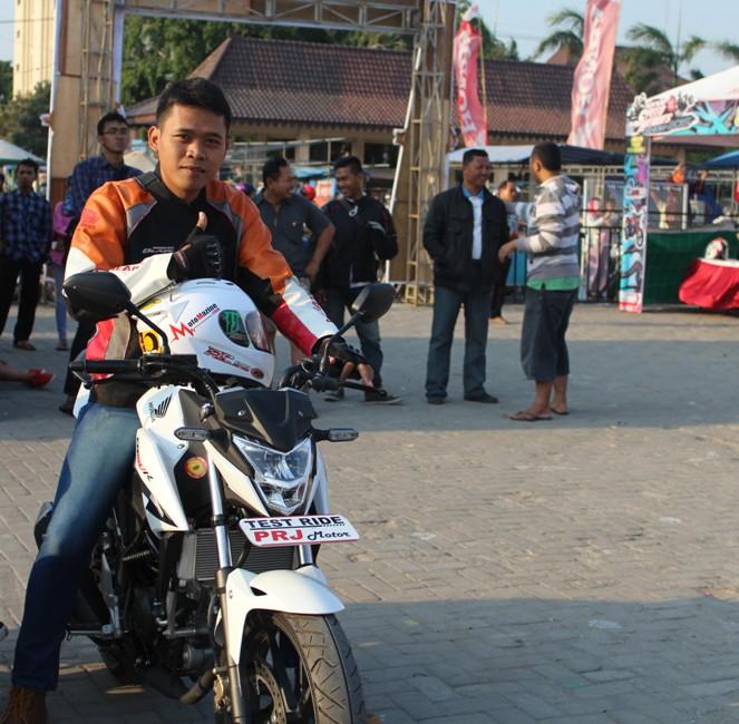 Substitusi Pelat Gesek Honda CB150R Pakai Punya Yamaha V-Ixion. Tarikan Jadi Lebih Responsif..!!!
