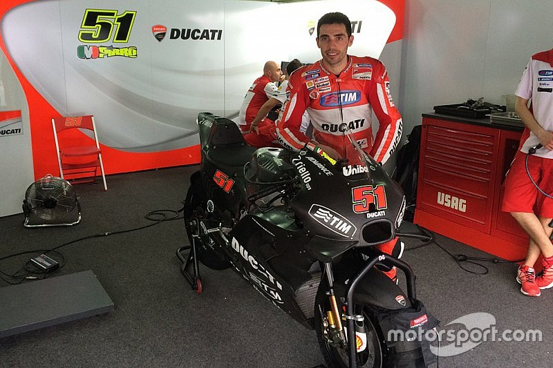 Debut Perdana Ducati GP16 di Sepang Bersama Pirro