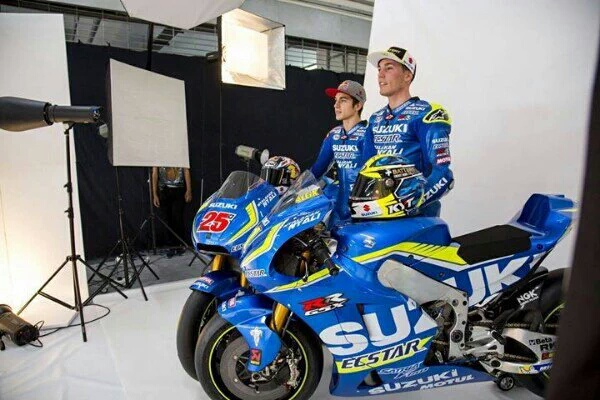 MotoGP: Tagline Nyalakan Nyali dan Satria F150 Nempel di Fairing Suzuki GSX-RR dan Waerpack Pebalap Ecstar Suzuki..!!!