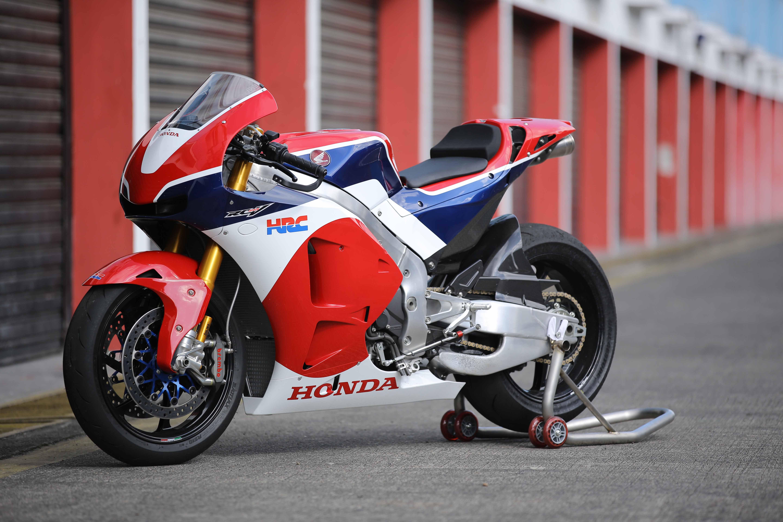 Pemesan All New Honda CBR250RR Rasakan Sensasi Langsung Berkendara RC213V-S di Sirkuit Sentul