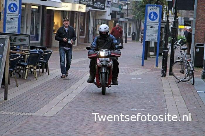Pria Belanda ini Mudik ke Negaranya Nunggang Honda Supra X125. Awesome…!!!