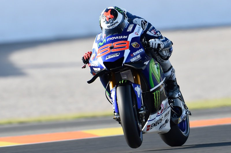 MotoGP Valencia: Lorenzo Persembahkan Kado Kemenangan Terakhir untuk Yamaha, disusul Marquez dan Iannone di Posisi 2 dan 3
