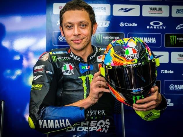 Penampilan Perdana Rossi dengan Helm Motif Baru di Sepang Test