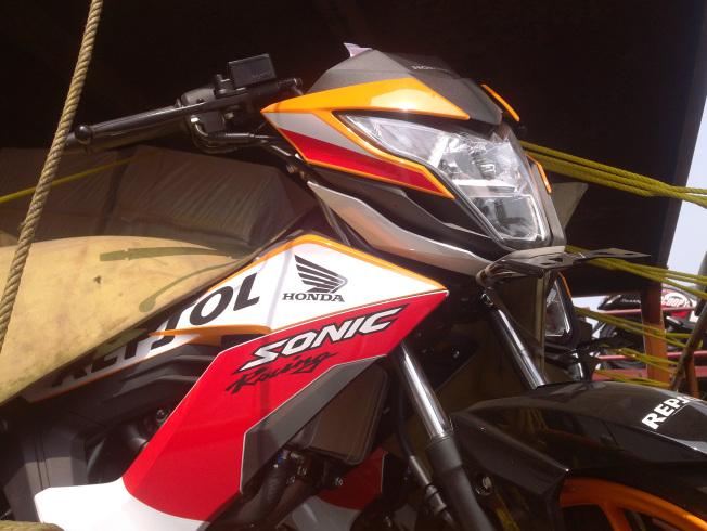 Bocor: New Honda Sonic 150R Livery Repsol Termonitor Digendong Truk Ekspedisi di Jogja.. Sudah Distribusi Ternyata..!!!
